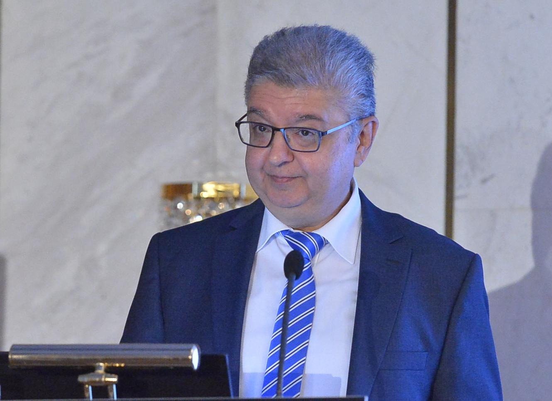 DR. ATHANASIOS VOZIKIS